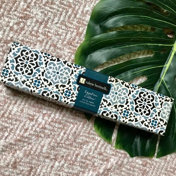 Valerie Bertinelli Other - 💫 Valerie Bertinelli Egyptian Cotton Lux Soap Set